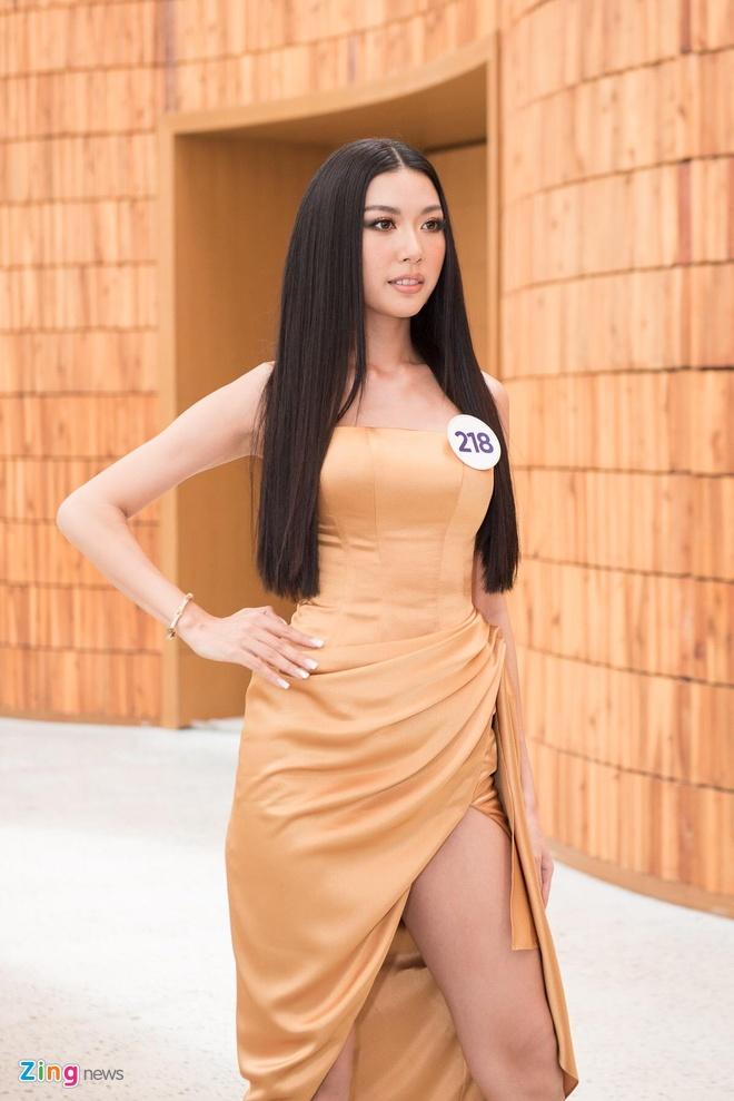 Thi sinh chuyen gioi cung dan nguoi dep du thi Hoa hau Hoan vu 2019 hinh anh 3