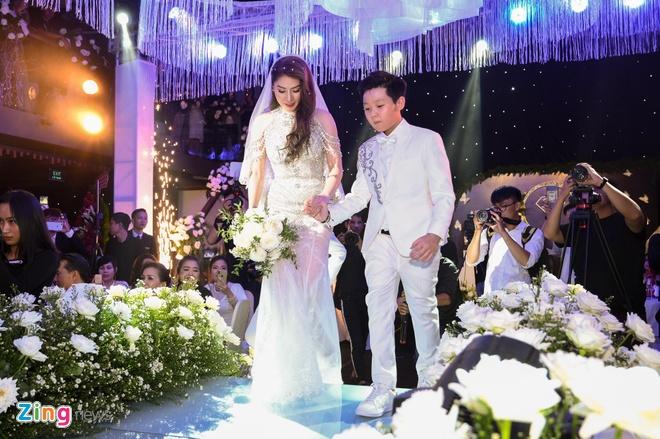 HKT, Khanh Phuong du le cuoi ca si Lam Chan Khang hinh anh 6