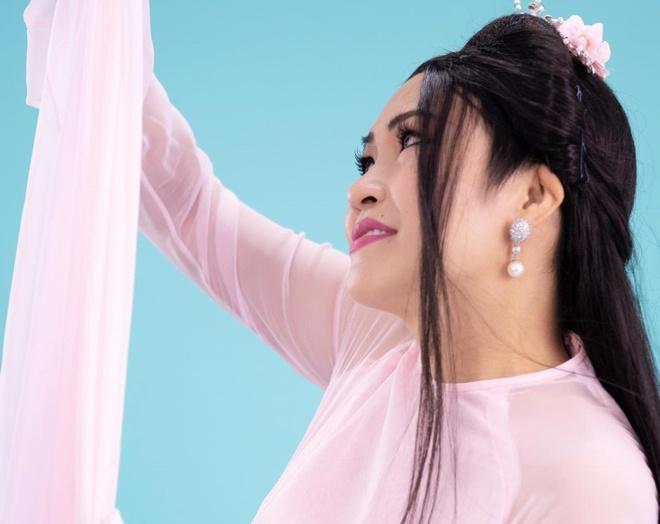 Phuong Thanh the hien ca khuc 'Hong nhan' hinh anh
