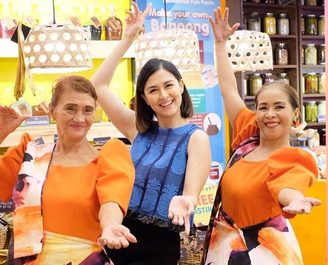 'My nhan dep nhat Philippines' dang anh di choi cung 2 con hinh anh 8