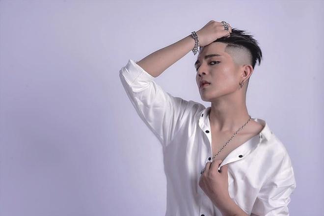 Quang Anh The Voice Kids: 'Toi phau thuat tham my tu nam 17 tuoi' hinh anh
