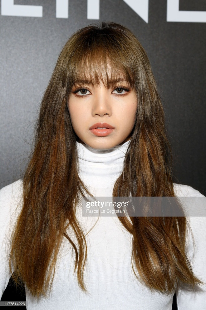 Lisa (Black Pink) hut hang trieu luot tim kiem sau Paris Fashion Week hinh anh 3