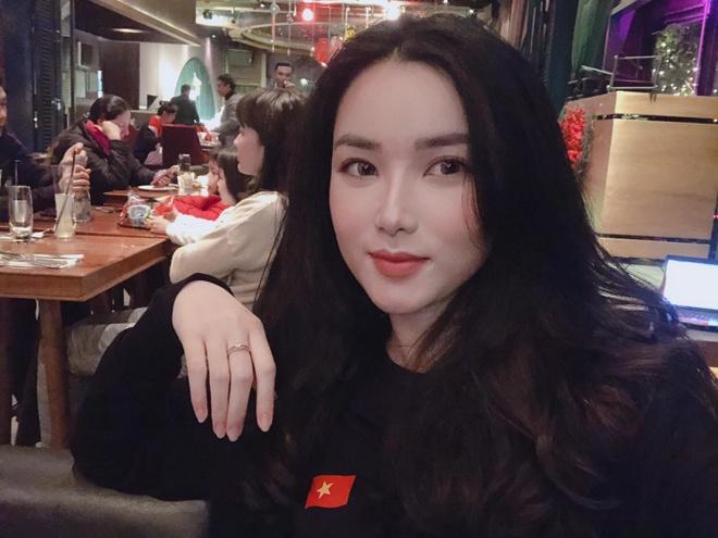Nhan sac ban gai MC cua thu mon Bui Tien Dung hinh anh 3
