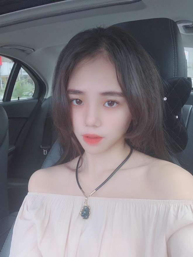 Huong Ly xin loi vu hat live te anh 1