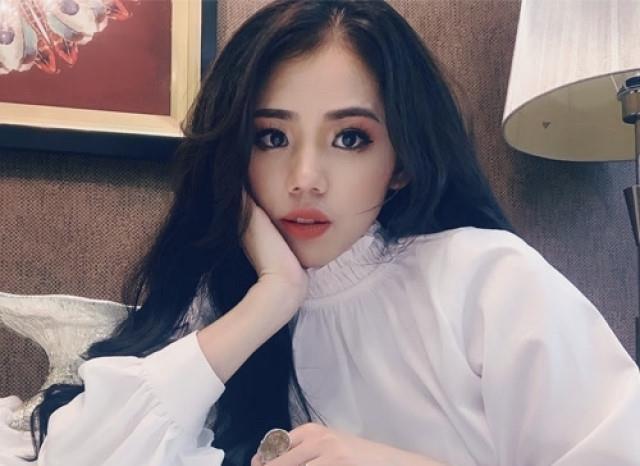 Huong Ly hat 'Buoc qua doi nhau' khien Khac Viet tuc gian hinh anh