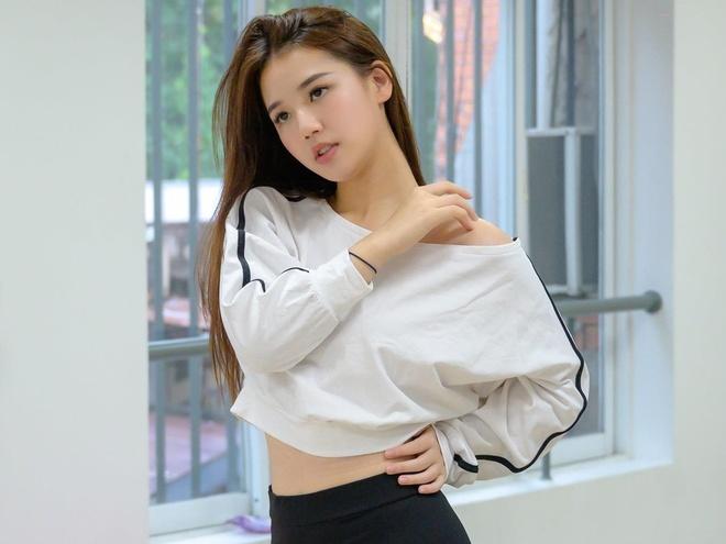 AMEE mac crop top nhay theo vu dao 'Solo' cua Jennie hinh anh