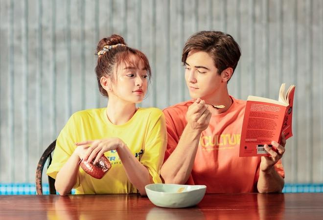 Tin đồn trong MV đầu tay Kaity Nguyễn tình tứ với bạn trai