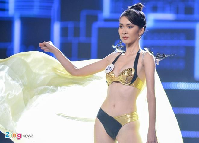 Nguyen Tran Khanh Van dang quang Hoa hau Hoan vu Viet Nam 2019 hinh anh 24