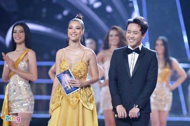 Nguyen Tran Khanh Van dang quang Hoa hau Hoan vu Viet Nam 2019 hinh anh 16