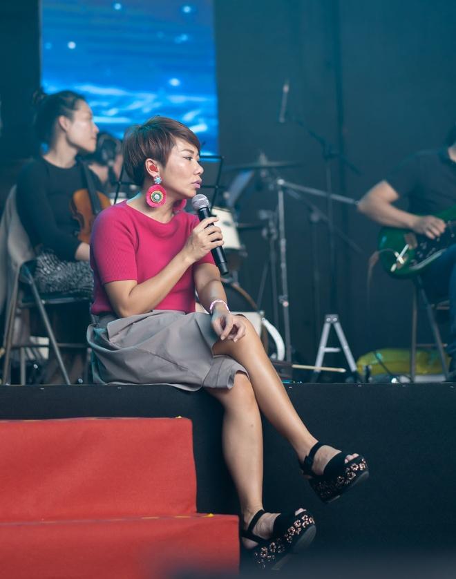 Tran Thanh om va tang qua diva Han Quoc hinh anh 8 DSC08359.jpg