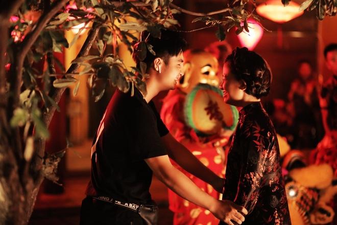 Duong Hoang Yen MV Em mot minh quen roi anh 2