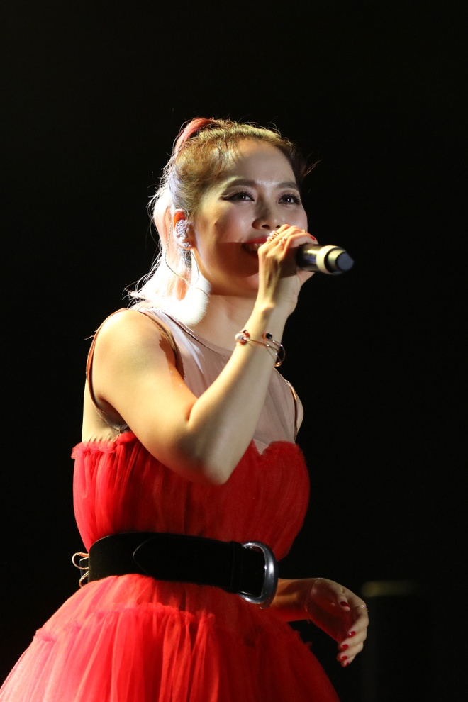 Diva Han Quoc quy goi hat Thanh ca trong live show o TP.HCM hinh anh 2 BIL_3068.jpg