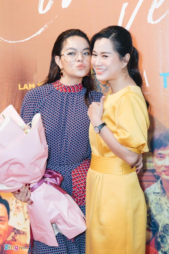 Ung Hoang Phuc hoi han vi di dien xuyen Tet hinh anh 6 phamquynhanh5_zing.jpg