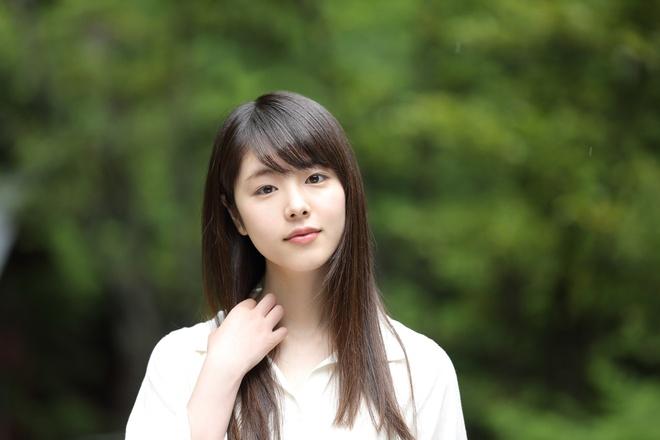 Nhan sac 'tieu tam' trong vu ngoai tinh chan dong showbiz Nhat Ban hinh anh 1 erika11.jpg