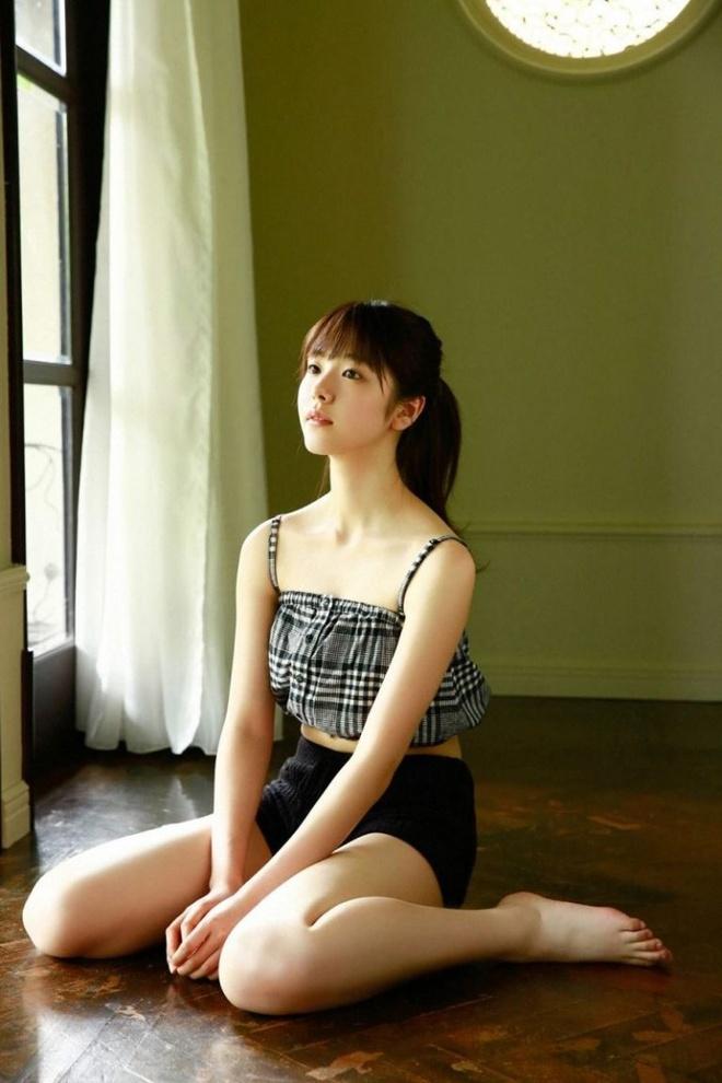 Nhan sac 'tieu tam' trong vu ngoai tinh chan dong showbiz Nhat Ban hinh anh 11 ngam_co_nong_dan_chan_que_bong_hoa_thanh_nu_than_nhat_ban_dinh_dam_4.jpg