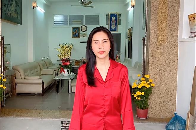 Sao Viet mua nha, xe hoi tien ty tang cha me hinh anh 3 thuy_tien_khoe_nha_5_ty_mua_tang_me_9_nam_truoc_1.jpg
