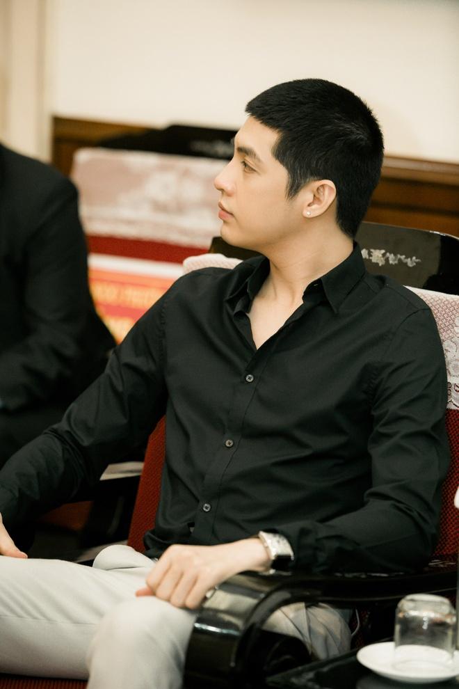Noo Phuoc Thinh ung ho 300 trieu dong anh 6