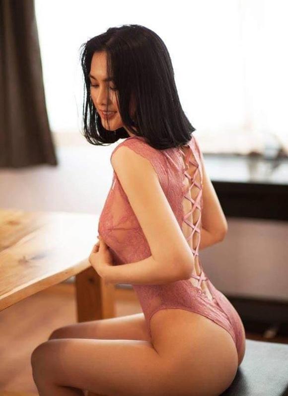 Anh Thu dang anh khoe voc dang o tuoi 38 hinh anh 1 me_don_than_anh_thu_khoe_than_hinh_goi_cam_o_tuoi_u40_11.jpg