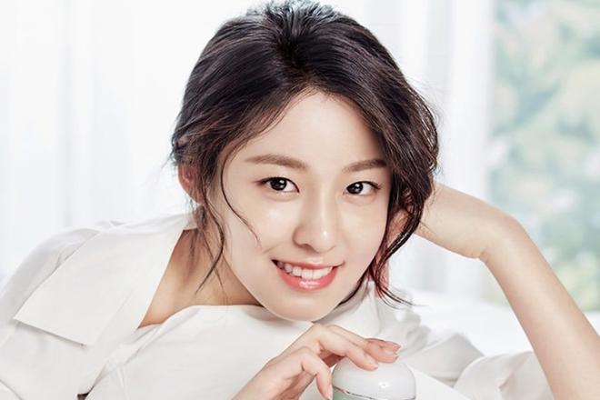 Bieu tuong sac dep Han va bi quyet duy tri voc dang hinh anh 13 aoa_seolhyun_shows_off_her_beauty_like_a_goddess.png