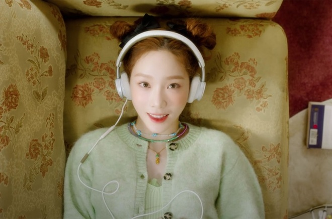 Tae Yeon (SNSD) la the luc nhac so tren bang xep hang Billboard hinh anh 1 TAEYEON_Happy_mv_2020_billboard_1548_1589492768_768x508.jpg