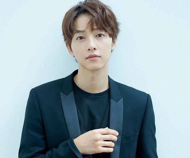 Song Joong Ki rut khoi Season of You and Me anh 1