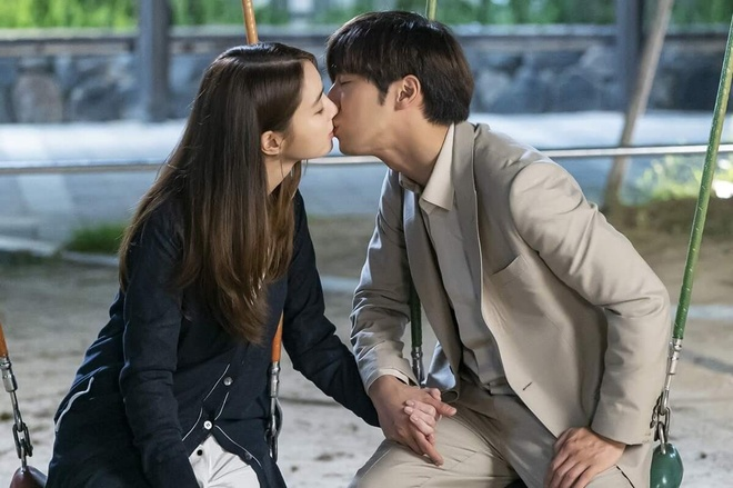 Lee Min Jung va Lee Byung Hun anh 1