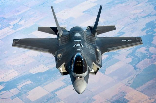 Gan 100 sieu phi co tang hinh F-35 bi xep xo hinh anh
