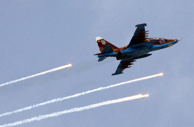Hai phi co chien dau Ukraina bi ban roi hinh anh 1 Một phản lực cơ chiến đấu SU-25 của quân đội Ukraina. Ảnh: Reuters