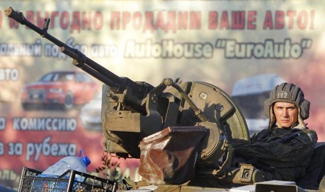 Truyen hinh Nga to Bo Quoc phong Ukraine co be boi vu khi hinh anh
