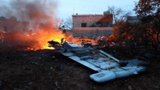 Phien quan Syria ban roi may bay Nga, sat hai phi cong hinh anh