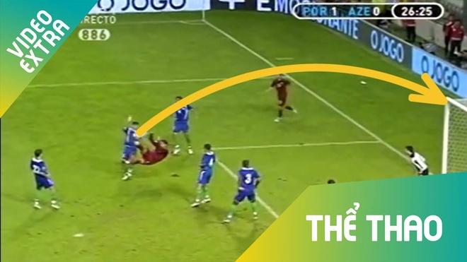 Top 5 pha 'nga ban den' cua Ronaldo truoc khi lap sieu pham tai Turin hinh anh