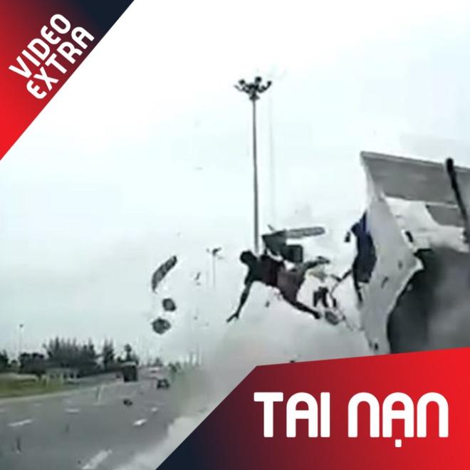 Tai xe bay khoi cabin xe tai trong tai nan tham khoc o Thai Lan hinh anh