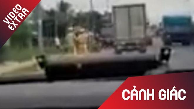 CSGT Binh Thuan truy duoi 100 km bat ke trom xe dong lanh hinh anh