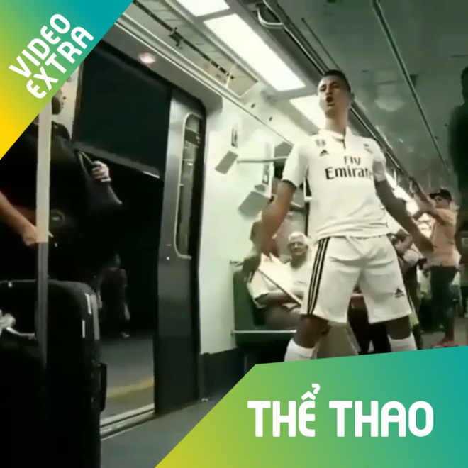 Chang trai bat chuoc dong tac cua Ronaldo moi luc moi noi hinh anh