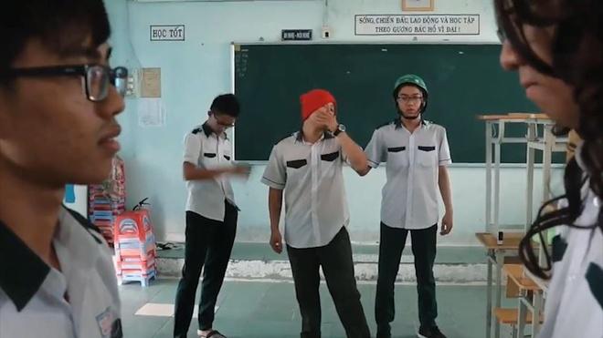MV 'Haru Haru' phien ban parody doc dao cua hoc sinh hinh anh