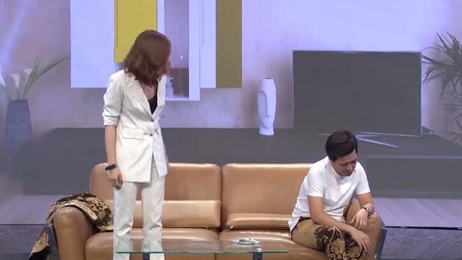 Truong Giang hoang hot khi Thuy Ngan hon Tien Luat bat chap hinh anh