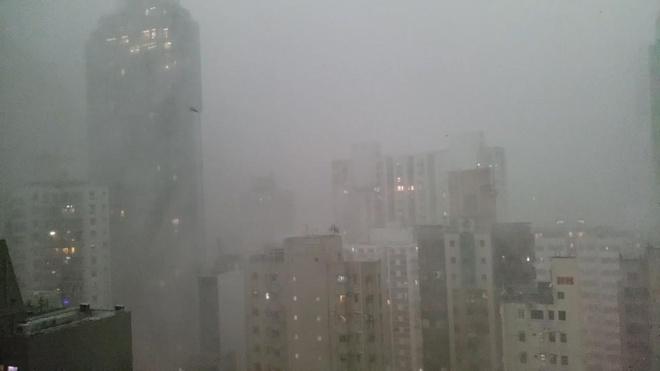 Hong Kong 'that thu' trong con mua lon dau mua hinh anh