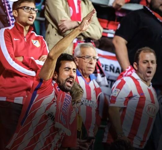 Tai sao CDV Barcelona ghet nhac nen Champions League? hinh anh