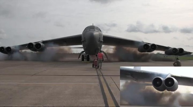 Xem may bay B-52 dung thuoc no khoi dong dong co hinh anh