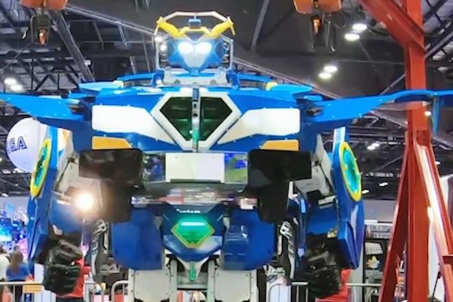 Xe bien hinh thanh robot cao gan 4 m nhu trong phim Transformers hinh anh