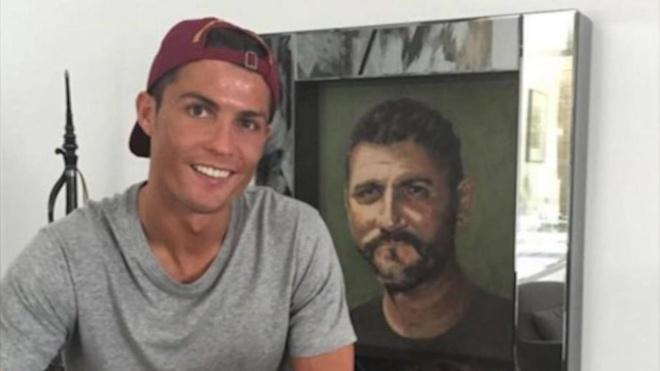 Nguoi cha bao luc, nat ruou da day Ronaldo tro nen vi dai ra sao? hinh anh