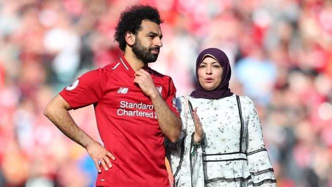 Co gai dung sau bi mat thanh cong cua Mohamed Salah hinh anh
