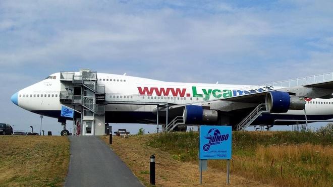 Khoang may bay Boeing 747 bien thanh nha nghi hinh anh