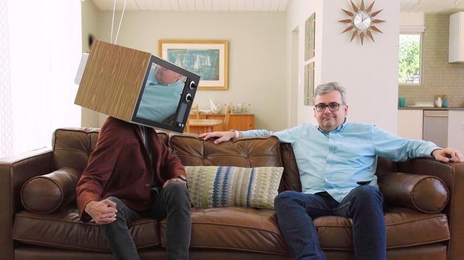 Ban theo doi TV, hay TV dang theo doi ban? hinh anh
