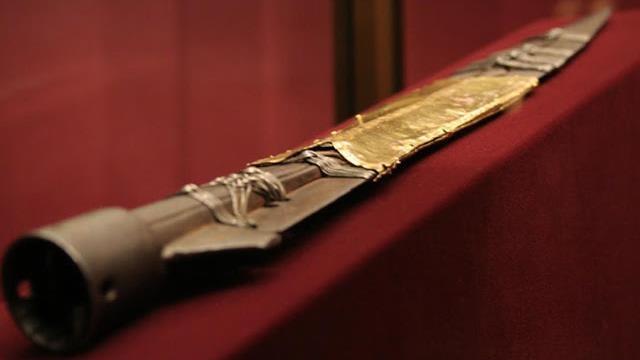 Thanh kiếm mang biểu tượng vô giá của tín đồ Cơ Đốc giáo