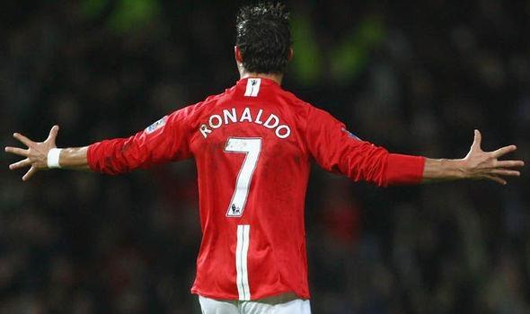 So 7 o Manchester United - chiec ao bi nguyen rua? hinh anh
