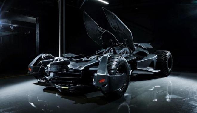 Sieu xe Batmobile cua 'nguoi doi' duoc rao ban voi gia gan 850.000 USD hinh anh