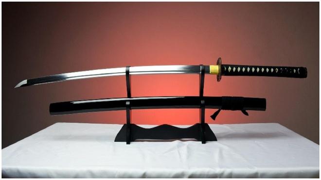 Vi sao kiem cua samurai lai dat? hinh anh
