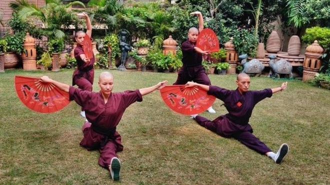 Nhung nu tu luyen kungfu tren day Himalaya hinh anh