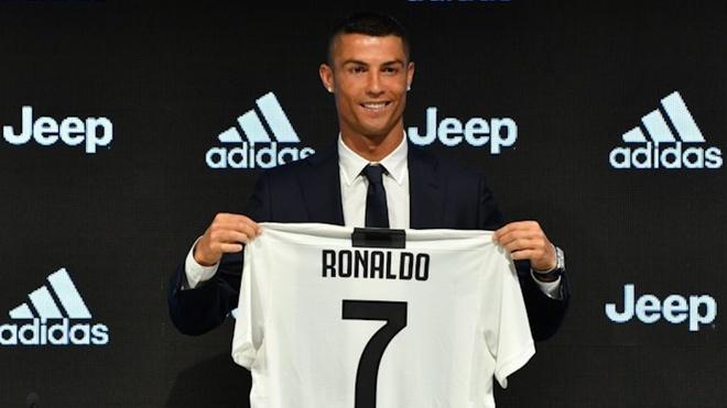 Lam the nao de dinh gia nhung cau thu nhu Ronaldo, Messi? hinh anh